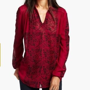LUCKY BRAND RED AND BLACK MODERN GEO TOP SIZE L